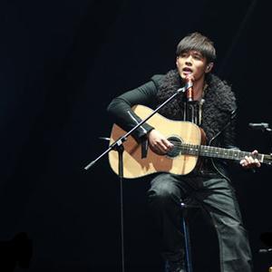 《中国好声音》金色炸弹组合连唱三首歌打动周杰伦