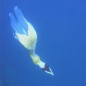 水下美人鱼