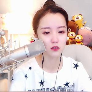 莉哥直播流眼泪回应微信1400视频 还是选择原谅她把