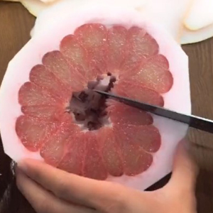 抖音上的剥柚子新技能,get一下~