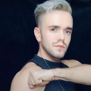 Aleks Kost出神入化手指舞视频
