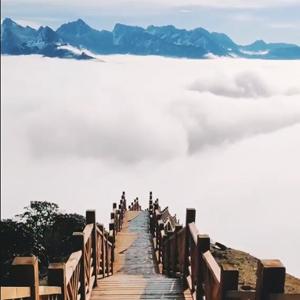行走在云端的达瓦更扎