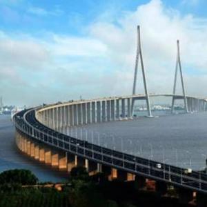 港珠澳大桥通车啦 120秒航拍带你看港珠澳大桥