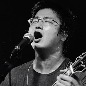 草莓音乐节李志天空之城现场版 李志草莓音乐节视频