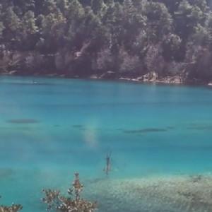 玉龙雪山蓝月谷超美景色视频