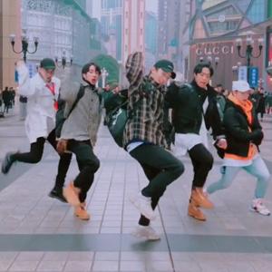 抖音不齐舞团《Stay Young》舞蹈视频