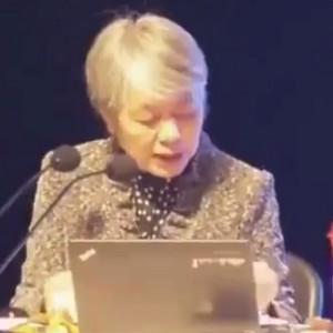 心理专家李玫瑾教授孩子做作业很拖拉怎么办视频