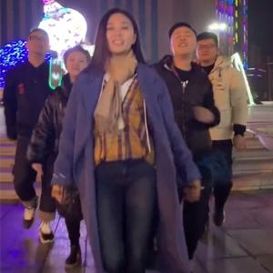 抖音张禾禾同学大石桥联盟合唱《狂浪》视频