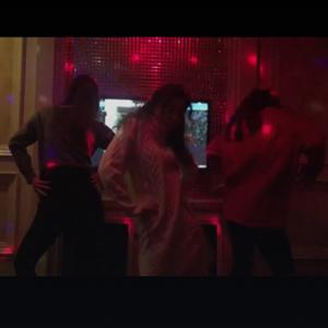 抖音女生KTV跳舞视频 KTV真是一个释放天性的地方