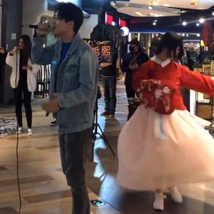 抖音Zx穆哲熙唱《清明上河图》视频