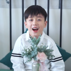 优秀少年刘沝笑唱《宠爱》歌曲视频