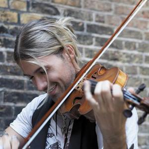 小提琴大师David Garrett现场演奏《Viva La Vida》视频