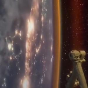在太空中看地球的夜晚