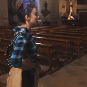 小姐姐Malinda在西班牙教堂清唱视频